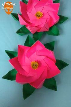 Tissue Paper Flowers, Origami Flowers, Diy Flowers, Paper Crafts Origami, Paper Crafts For Kids, Origami Art, Fleurs Diy, Flower Crafts, Flower Making