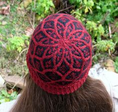 Mines of Moria hat by KYMaggie.      Cool colorwork and cables.