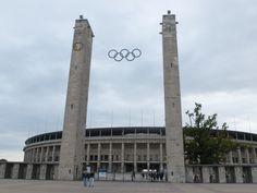 Das Berliner Olympiastadion ist eine Besichtigung wert. An veranstaltungsfreien Tagen kann man diesen geschichtsträchtigen Ort erkunden.