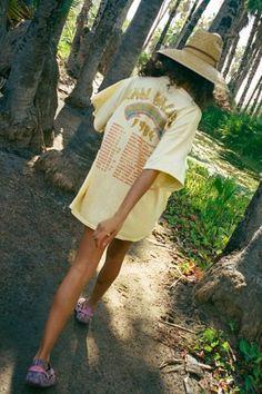Van Halen, Urban Outfitters Graphic Tees, Summer Checklist, Look T Shirt, Loose Fit Jeans, Skinny Jeans, Halter Jumpsuit, Vans Shop, Urban Dresses