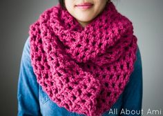 """Long Double Crochet Cowl"": Materials: 10 mm crochet hook -Super bulky yarn I used skeins for my cowl; I used ""Lion Brand's Wool-Ease Thick & Quick yarn in Raspberry"" Chain 27 Crochet Patterns For Beginners, Easy Crochet Patterns, Crochet Stitches, Crochet Basics, Chunky Crochet, Double Crochet, Free Crochet, Quick Crochet, Crochet Cowel"