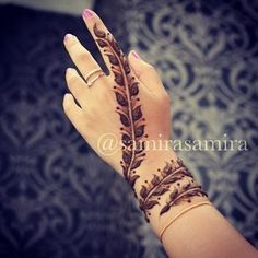 Find images and videos about hand, tatoo and henna on We Heart It - the app to get lost in what you love. Henna Hand Designs, Mehndi Art Designs, Mehndi Design Pictures, Beautiful Henna Designs, Mehndi Images, Henna Tattoo Designs, Small Henna Designs, Nail Designs, Henna Tatoos