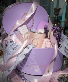 Laduree gift box<3