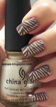 nail art - animal print: Catrice From Dusk To Dawn + China Glaze 2030 + Konad plate Fancy Nails, Trendy Nails, Zebra Nail Designs, Animal Nail Designs, Zebra Print Nails, Zebra Nail Art, Animal Nail Art, Gel Nagel Design, Gold Glitter Nails