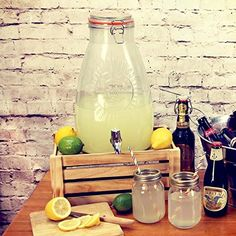 Kilner Square Drinks Dispenser 8ltr - Vintage Lemonade Jar Beverage Dispenser for Garden Parties: Amazon.co.uk: Kitchen & Home