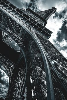 Solo Eroticus — captvinvanity: Tour Eiffel |Colin Saks