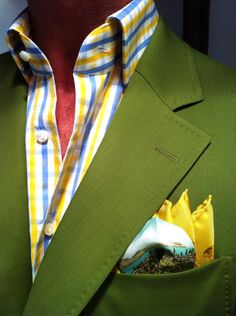 Hucklebury: Yellow and blue gingham shirt with a preppy green jacket! Now that's what I call bold!Latest Trends in Men's Fashion - the best trends in men's fashion. Sharp Dressed Man, Well Dressed Men, Mens Fashion Suits, Mens Suits, Men's Fashion, Blue Gingham Shirts, Men With Street Style, Men Street, La Mode Masculine