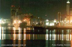 Puerto: desembocadura del Río Quequén Grande en el mar.