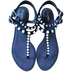 Pre-owned Chanel Velvet Flip Flops (€550) ❤ liked on Polyvore featuring shoes, sandals, flip flops, flats, blue, navy, women shoes sandals, blue flip flops, flat shoes and blue flats