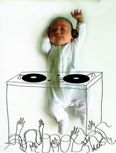 The cutest baby DJ ever! #PipLincolne