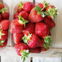 Sìsì sarete una cheesecake buonissima   #monday #foodie #instamood #strawberry #confiture #cucinopertescemo #cheesecake #rimini #santarcangelodiromagna #igersrimini #food52 #foodforfoodies #fruit #summer by cucinopertescemo