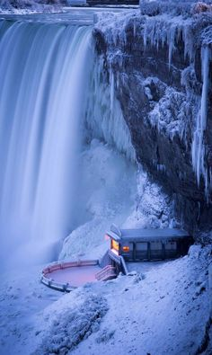 I have seen Niagara Falls just like this. Niagara Falls in Winter (by Matt Taggart) Places Around The World, The Places Youll Go, Around The Worlds, Beautiful World, Beautiful Places, Beautiful Pictures, Beautiful Scenery, Amazing Places, Inspiring Pictures