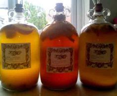 Mead or honey wine is the oldest alcoholic drinks known to man. It is made from honey and water via fermentation with yeast. Here are a bunch of recipes on how to make mead. Mead Beer, Mead Wine, Beltane, Beer Recipes, Cooking Recipes, Honey Mead, Do It Yourself Videos, How To Make Mead, Mead Recipe