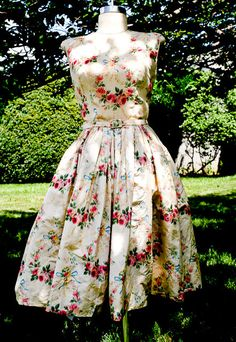 "Beautiful Vintage 1950s/1960s ""Samuel Winston by Roxanne"" Rose and Flower Patterned Party Dress"