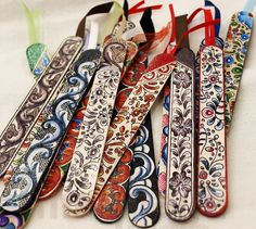 Handpainted bookmarks by Isaura Marques