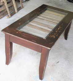 Upcycled Coffee table has an inside from old pallets.  $165 http://serendipitini.blogspot.com/2013/04/creative-reuse-coffee-table-from.html