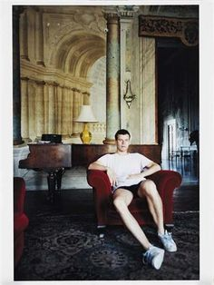 WOLFGANG TILLMANS Selfportrait (August 97)