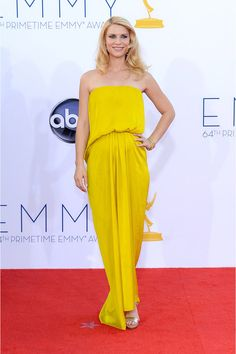 Claire Danes, espectacular con un vestido de Lanvin que dejaba intuir su embarazo. La actriz se ha llevado un Emmy por su papel en la serie Homeland.