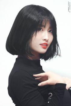 Twice - Momo Nayeon, Kpop Girl Groups, Kpop Girls, Korean Girl, Asian Girl, Korean Star, Sana Momo, Hirai Momo, Long Black Hair