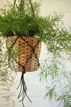 DIY Macrame Hanging Basket // aprileveryday.com
