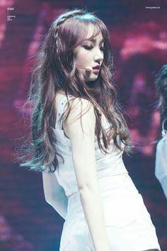 Pristin Roa Kpop Girl Groups, Korean Girl Groups, Kpop Girls, Pristin Roa, Kim Min Kyung, Pledis Girlz, Female Dancers, K Pop Music, Korean Wave
