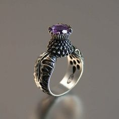 OMG! I LOVE this Scottish thistle ring.... want !!