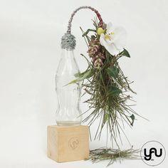 orhidee alba si plante suculente - ghirlanda curgatoare din sticla CocaCola _ flori MARTIE _ yauconcept _ elenatoader (4)