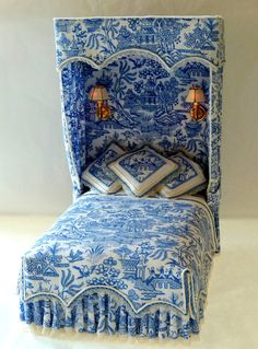 lookatthislittlething:  Lighted Blue Willow Dollhouse Bed on etsy.