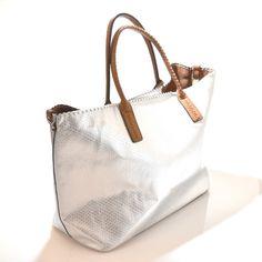 HAND BAG 8935 ARGENTO Borsa Spalla Shopping Pochette Tracolla Estate 17  Laminato ca1feb5ba8a