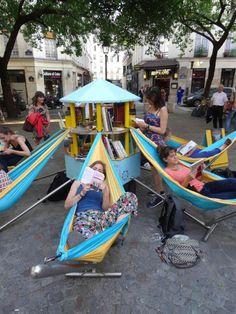 Bibliambule, la biblioteca ambulante a Parigi ha 7 amache