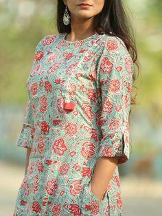 Silk Kurti Designs, Salwar Neck Designs, Churidar Designs, Kurta Neck Design, Sari Blouse Designs, Kurta Designs Women, Dress Neck Designs, Kurti Designs Party Wear, Kurti Sleeves Design