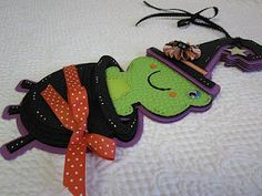 Halloween Frog (Create a Critter and Mini Monsters Cricut Carts)