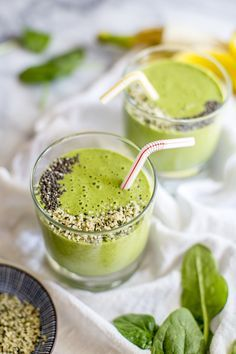 Clean Green Protein Smoothie | potluck at ohmyveggies.com