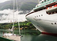 Sailing down the Fjords with Ventura