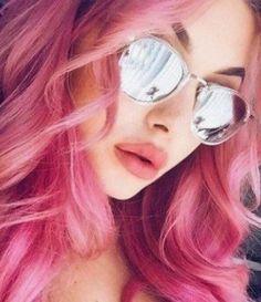 Pastel pembe saç rengi dalgalı ışıltılı saç modeli   Kadınca Fikir - Kadınca Fikir