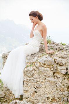 Elegant mermaid style wedding gown http://weddingsparrow.co.uk/2014/07/24/elegant-italian-wedding-inspiration-part-two/