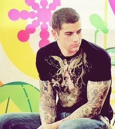 M. Shadows, it looks like Val made him go into a time out.