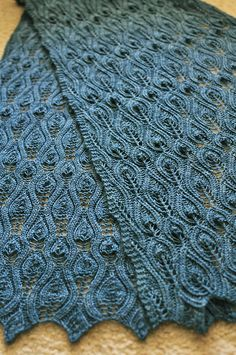 Ravelry: Rec Rev pattern by Kitman Figueroa.  great example of Twisted Leaf Pattern