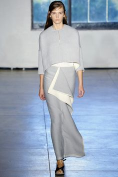 See the complete Zero + Maria Cornejo Spring 2016 Ready-to-Wear collection.