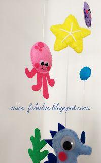 Móvil cuna bebe niño niña hecho a mano fieltro BAJO DEL MAR: pulpo, calamar, caballito de mar, cangrejo y pez globo.  Baby crib mobile handmade felt UNDER THE SEA: octopus, squid, seahorse, crab and puffer fish  CONTACT: carmenmissfabulas@gmail.com