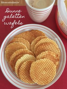 Dunne galetten wafels Cookie Desserts, Dessert Recipes, Baking Power, Donut Muffins, Donuts, Ice Cream Cookies, Bread Cake, Waffle Recipes, Cupcake Cakes