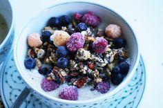 Nuts, Seeds & Berry Granola #granola #müsli #frühstück #breakfast #healthy #nuts #seeds #berries #wyld #paleo #paleodiet #paleofoodblog #foodblog #vegan #paleorezept #paleorecipe
