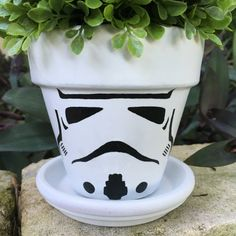 Idea Of Making Plant Pots At Home // Flower Pots From Cement Marbles // Home Decoration Ideas – Top Soop Flower Pot Crafts, Clay Pot Crafts, Painted Flower Pots, Painted Pots, Hand Painted, Disney Garden, Clay Pot People, Flower Pot Design, Star Wars Party