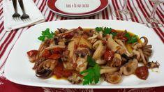Le seppie in umido con pomodorini sono un ottimo secondo piatto di pesce, saporito ma con pochi grassi, adatto alla cucina di tutti i giorni.