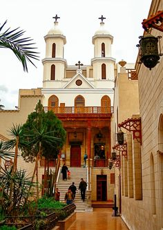 The coptic hanging church in Cairo, Egypt Luxor, Life In Egypt, Le Nil, Westerns, Memphis City, Honeymoon Places, Visit Egypt, Egypt Travel, Cairo Egypt