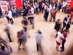 la sastresa: FlashMob Tango 06 - Unirii 1 Metrou, Craciunul est...