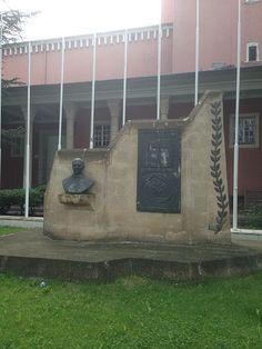 File:Muhsinertuğrul.JPGAnkara'da bulunan heykeli  Muhsin Ertuğrul heykeli. Ulus, Ankara