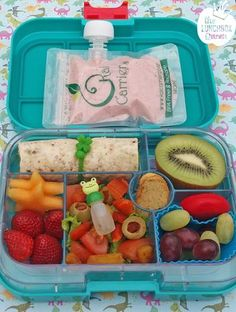 Yumbox healthy bento lunch box. Banana/berry smoothie in the Kai Carrier. Yumbox and all accessories available in NZ from www.thelunchboxqueen.co.nz. Lunchbox Inspiration – The Lunchbox Queen