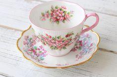Vintage inglés hueso China por Royal Albert y Clare, patrón de flor de manzana, taza de té y platillo, regalos para ella