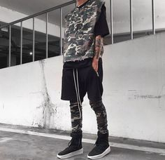 Camo Men Street Look, Street Style, Japan Fashion, Mens Fashion, Streetwear, Style Japonais, Sneakers, Off White, Camo